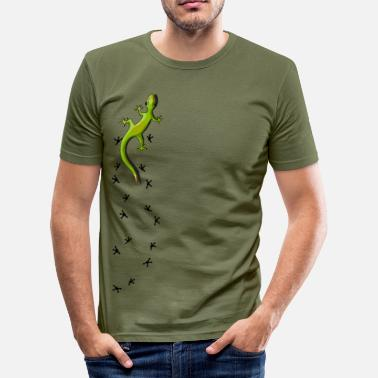 Salamander Gecko with tracks - slim fit T-shirt
