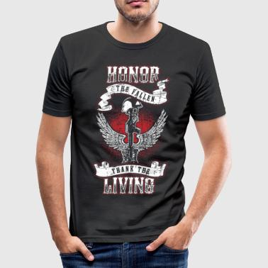 Patriotic Honor the fallen! Soldier! Veteran! Patriot! - Men's Slim Fit T-Shirt