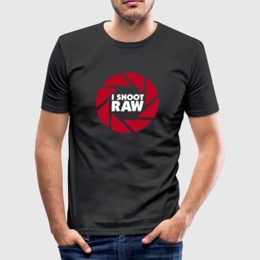 I shoot RAW - weiß - Männer Slim Fit T-Shirt