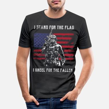 Great I Stand For The Flag Kneel For The Fallen Memorial - Men's Slim Fit T-Shirt