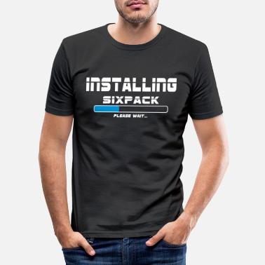 Wear installing sixpack - Männer Slim Fit T-Shirt