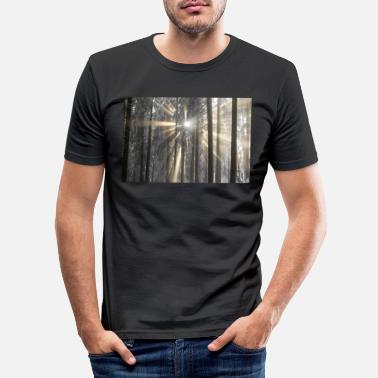 Landscape Sun rays covering the cold fog and the beautiful - Men's Slim Fit T-Shirt