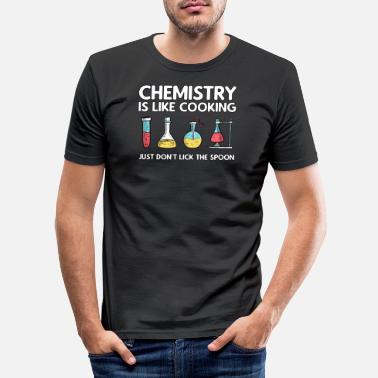Day Chemie is als koken chemielepel - Mannen slim fit T-shirt