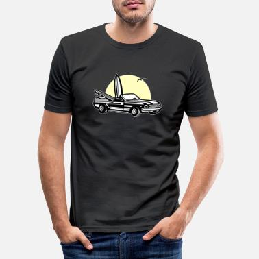 Sports Muscle car in sunset 01_dreifarbig - Men's Slim Fit T-Shirt