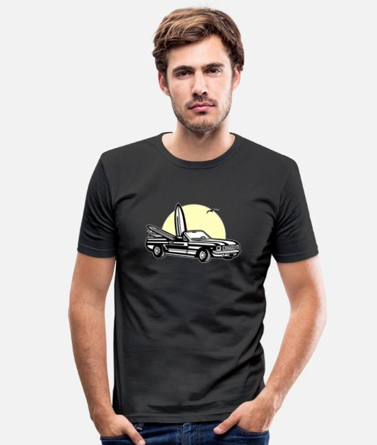 Usa T-Shirts - Muscle car in sunset 01_dreifarbig - Men's Slim Fit T-Shirt black