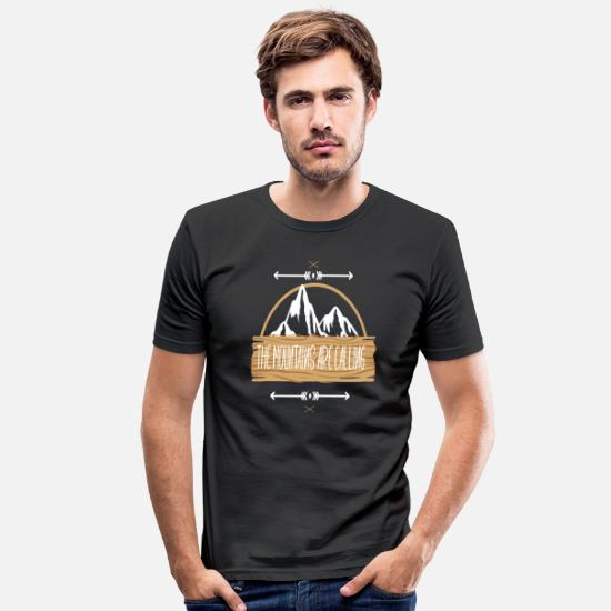 Are T-Shirts - The Mountains are Calling - Männer Slim Fit T-Shirt Schwarz