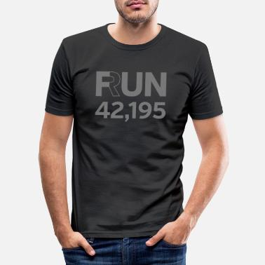 Marathon Fun / Run 24,196 (Marathon Distance) - Männer Slim Fit T-Shirt