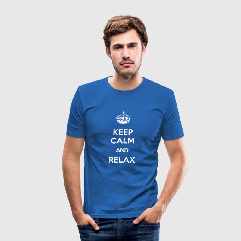 KEEP CALM AND RELAX - Männer Slim Fit T-Shirt