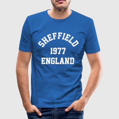 Sheffield England 1977 college - Slim Fit T-skjorte for menn