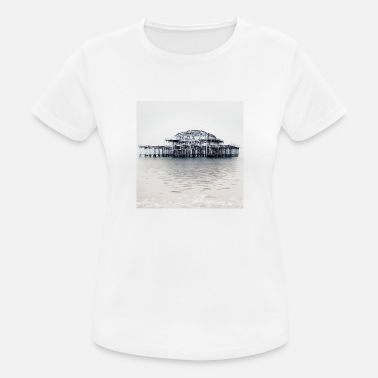East Sussex West Pier van Brighton (in de winter). - Vrouwen sport T-shirt