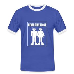 Never Dive Alone  - Imp.Flex+logo dos - T-shirt contrasté Homme