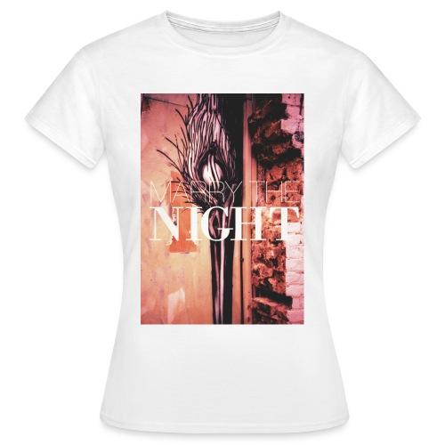 marry the night women 02 - Women's T-Shirt