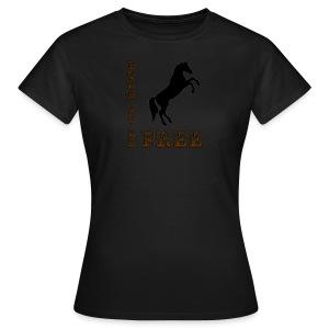 Born to be free T-shirt - Women's T-Shirt