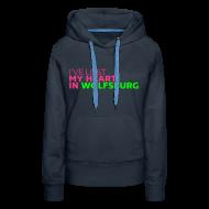 Pullover & Hoodies ~ Frauen Premium Kapuzenpullover ~ Wolfsburg Sweatshirt