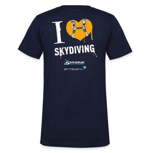 We love Skydiving - Männer Bio-T-Shirt mit V-Ausschnitt von Stanley & Stella
