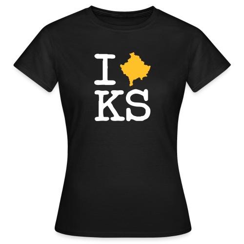 Frauen T-Shirt - Der Mensch von Welt trägt T-Shirts mit der Aufschrift I Love New York/Paris/Los Angeles etc., doch was tun die Menschen, die Ihre Liebe zu Kosovo ausdrücken möchten?  Hier könnt Ihr euch eines der limitierten T-Shirts mit dem Aufdruck I LOVE KOSOVO sowie weitere Fanartikel sichern und der Welt zeigen, woher Ihr kommt, was Ihr liebt, wozu Ihr steht.  Edhe une jam Kosovë, edhe une e dua Kosoven.
