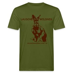 Lauschender Hase, braun auf moosgrün - Männer Bio-T-Shirt
