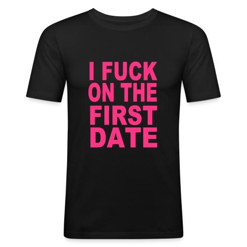 first date - Miesten tyköistuva t-paita