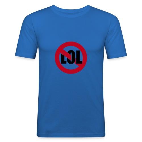 No laughing - Männer Slim Fit T-Shirt