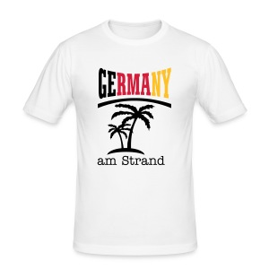 Germany am Strand - Männer Slim Fit T-Shirt