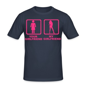 My girlfriend is sexier than your ! - Tee shirt près du corps Homme