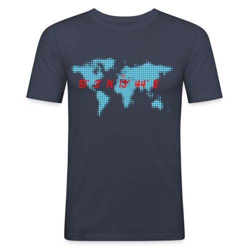 Dresden Koordinaten Weltkarte T-Shirt - Männer Slim Fit T-Shirt