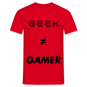 T-shirt rouge geek ≠ gamer - T-shirt Homme