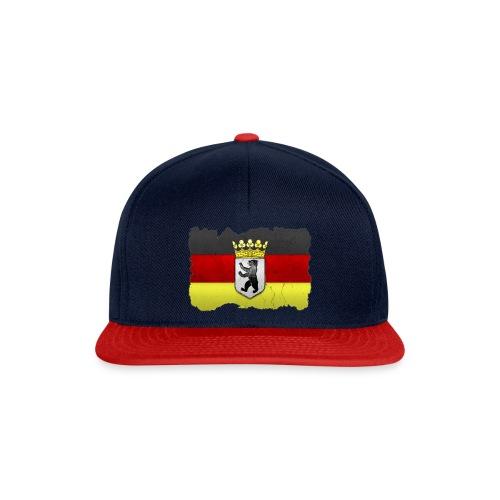 Berlin Wappen mit Deutschland Fahne in Stein gemeißelt Snapcap - Snapback Cap