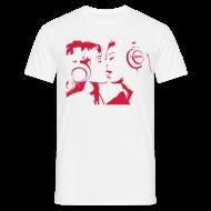 T-Shirts ~ Männer T-Shirt ~ The Kissing Headphone Girls