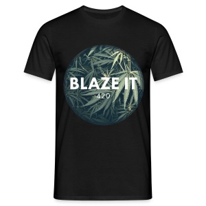 BLAZE IT T-Shirts - Männer T-Shirt