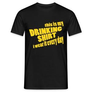 T-shirt This is my drinking shirt - Mannen T-shirt