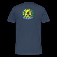 T-shirts ~ Mannen Premium T-shirt ~ Groot T-shirt met logo hoog achterop