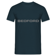 T-skjorter ~ T-skjorte for menn ~ Bedford script emblem
