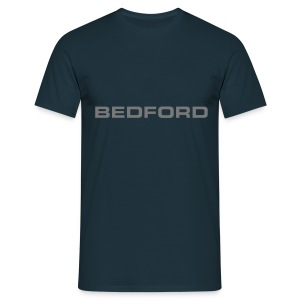 Bedford script emblem - Men's T-Shirt