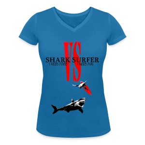 T-shirt Girl Shark VS Surfer - T-shirt col V Femme