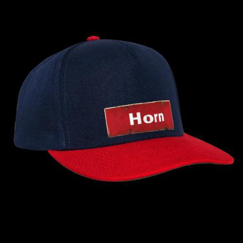 Mein Hamburg, mein Horn, meine Kiez-Cap: Ortsschild rot antik - Snapback Cap