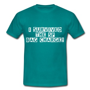 i SURVIVED THE 5P BAG CHARGE - Men's T-Shirt
