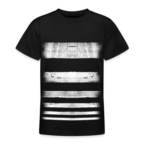 URBANIGRAM 21 • A - T-shirt Ado