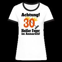 30 Heißer Feger Kontrast T-Shirt