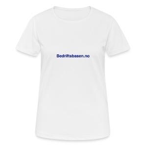 Pustende T-skjorte for kvinner