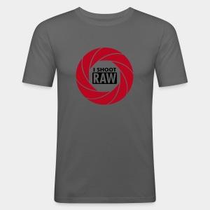 I SHOOT RAW - Red/Black - Männer Slim Fit T-Shirt