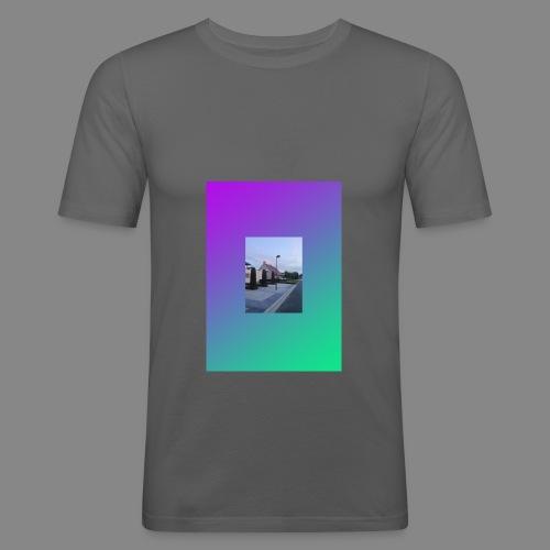 SOLITUDE GRADIENT 01 Fit-Shirt - Männer Slim Fit T-Shirt
