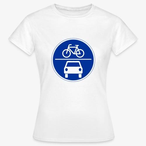 Critical Mass • Tshirt / blau vorn / grau hinten. (w) - Frauen T-Shirt