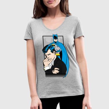 DC Comics Originals Batman Bruce Wayne - Frauen Bio-T-Shirt mit V-Ausschnitt von Stanley & Stella
