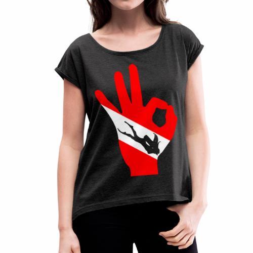 OK Plongeuse drapeau Tee shirts - T-shirt à manches retroussées Femme