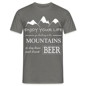 Bier und Berge Spruch - Männer T-Shirt