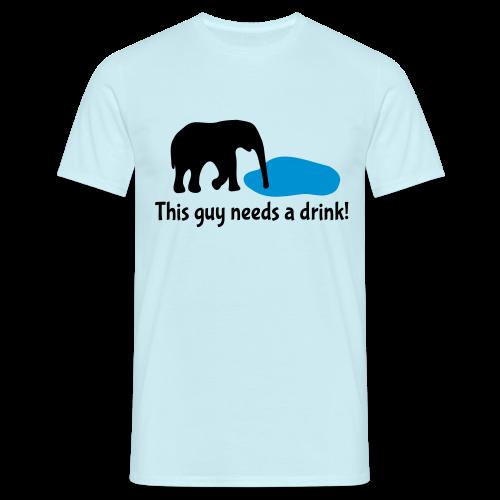 Elefant braucht Drink T-Shirts - Männer T-Shirt