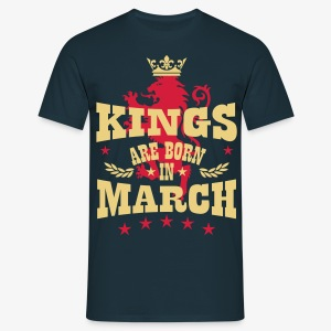 Kings are born in March King Crown Lion Löwe T-Shirt - Männer T-Shirt