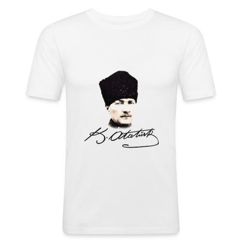 MK Atatürk - Männer Slim Fit T-Shirt