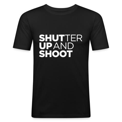 SHUTTER UP AND SHOOT - Männer Slim Fit T-Shirt